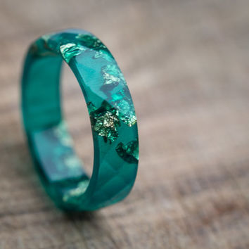 Emerald Green Resin Ring Men Ring Gold Flakes Big Size 10 size 12 Faceted Ring OOAK boho minimalist jewelry deep emerald rusteam