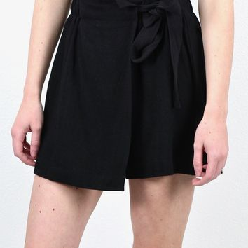 Show Me Off Tie Shorts {Black}
