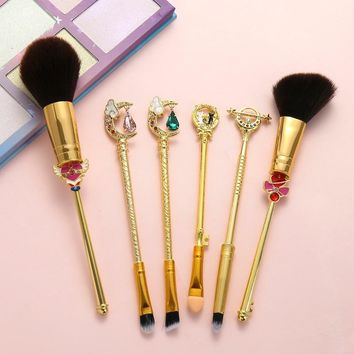 Gold Sailor Moon Makeup Brushes Set 6pcs Makeup Tool Kit Crystal Decoration Black Soft Synthetic Hair Cosmetic with Powder Brush