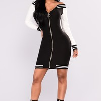 Speeding Stripes Dress - Black