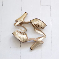 Satin Doll platforms • vintage 1940s shoes • 40s wedding heels 6.5
