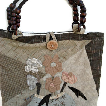 Japanese cotton tote bag in beige and brown. Quilted and appliqued patchwork bag.