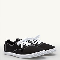 Lace-Up Oxford Sneaker