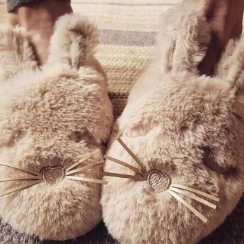 DCCKBA7 Oysho Cute rabbit slippers