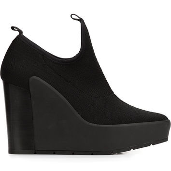 Zen Uma Wedges in Black