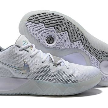 NIKE ZOOM ASSERSION EP Kyrie 3 White/Silver Basketball Shoe