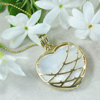 Wildflower Heart Necklace in Yellow Gold