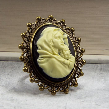 Baby Jesus with Virgin Mary Mother and Child Cameo Ring