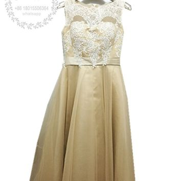 Vestidos de Casamento Champagne White Lace Short Bridesmaid Dresses 2017 Vintage Scoop Neck Tea Length Wedding Party Prom Gowns