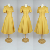 80's does 50's yellow dress, fit and flare A line dress w/ peter pan collar, short sleeves, button up bodice, cotton sun dress Medium Large
