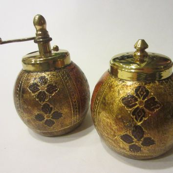 Salt Pepper Mill Fleur De Lis Symbol Made In Italy Gilt Decorated Marked