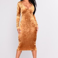 Crush On You Velvet Dress - Gold