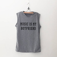 Music is my boyfriend workout women tank running fitness muscle tank top womens funny sayings slogan activewear training gym tanks work out