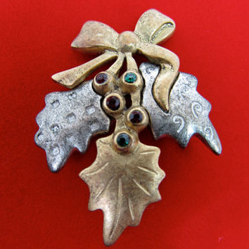 LIA SOPHIA Holly Leaf Pin