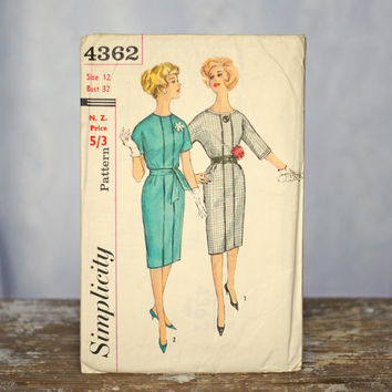 1960s Mod One-Piece Dress Sewing Pattern with detachable neck and sleeve trim: Simplicity 4362, Size 12 Small-Medium Womens soft pleat skirt