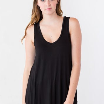 Piko Top: Round Neck Tunic Tank in Black