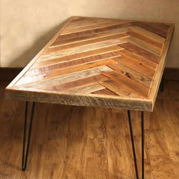 Star Pattern Coffee Table With Hairpin From
