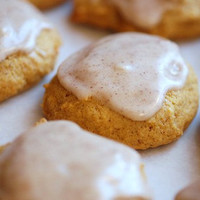 Italian Cinnamon Drops ( with pure Cinnamon Oil) Iced cookies, Cinnamon icied, Wedding favor cookies, icing cookies