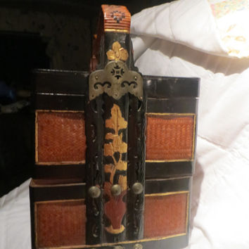 antique  Chinese   3 compartment  Square Wedding Basket Box haindpainted  lacquer chinese wedding basket box