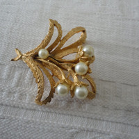 Vintage Signed CoroCraft Faux Pearl Brushed Gold Floral Bouquet Brooch Pin