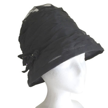 Vintage Beehive Hat / 1960s Black Chiffon Cloche Hat Beehive Design / United Hatters Cap Millinery Works Union / Formal Fashion Dress Hat