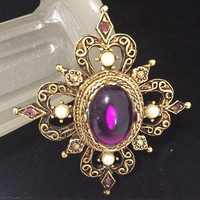 Purple Rhinestone Brooch PIn Faux Pearl Highlights Lucite Cabochon Antiqued Gold Tone Setting Mid Century Vintage Jewelry 418