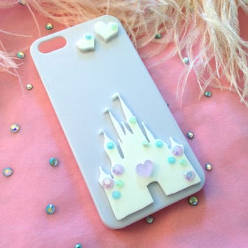 White and Pastel Castle Iphone 4 or 5 case by imyourpresent