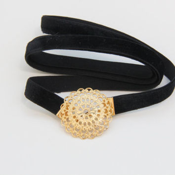 Velvet Black Skinny Belt With Oval Golden Special by TheUrbanLady
