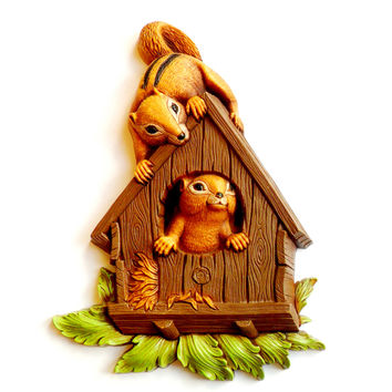 Vintage Chipmunk Birdhouse Wall Hanger Plastic Homco Painted Decor 1977 Decorative Woodland Nature Kitsch Retro
