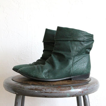 Vintage 80s Dark Green Leather Slouchy Ankle Boots // Women's Pointed Boots Sz 8