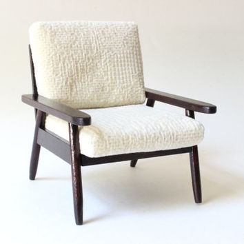 1/6 scale Mid Century Modern Miniature Armchair for dolls (Blythe, Barbie, Pullip, Obitsu, Bratz, Momoko, etc.).