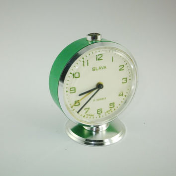 Green Color Vintage Russian Mechanical Alarm Clock Slava from Soviet Union Period 11 Jewels, CCCP