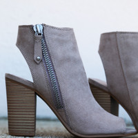 Ninaaa By Madden Girl Wedge {Taupe}