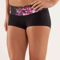 flip your dog bootyshort | women's shorts | lululemon athletica