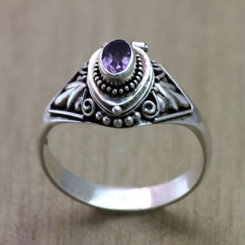 Amethyst locket ring, 'Mysterious Garden'