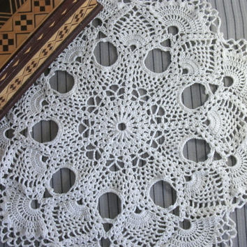 White pineapple doily 12 inches Crochet round doily Beige doily Lace doily Table topper Crochet table topper White table topper Gift idea