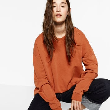 UNGENDERED SWEATSHIRT DETAILS