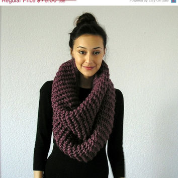 SPRING SALE The Barrow - Chunky Infinity Scarf - FIG