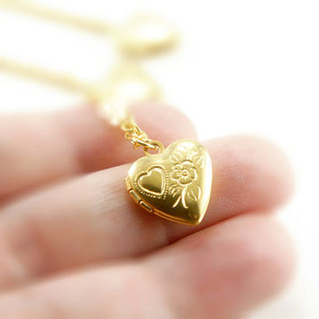 Tiny Vintage Heart Locket Necklace - Flower & Heart - Bridesmaids Gifts Idea - Romantic Gift Idea - VL001