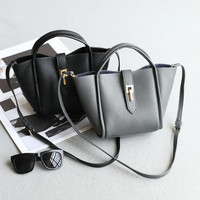 Simple Design Stylish Lock Strong Character One Shoulder Bags Multi-functioned Tote Bag [4915826052]
