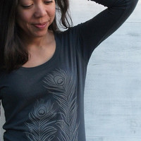 Organic T-shirt with Peacock Feathers - Women's Long Sleeve Scoop Neck Grey