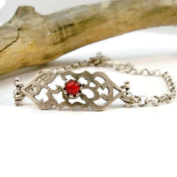 Red Jade Stone Bracelet, Silver Rolo Chain Bracelet, Antique Silver Fretwork, Curved Bracelet, Gift for Her