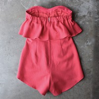 ruffled strapless romper - red