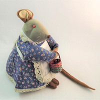 Cute Stuffed Mouse, Large Plush Animal, Vintage 1970s Primitive Mouse, Kerr Kreations Mouse with Basket, Funny Pin Cushion Animal, Rat Lady