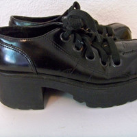 6 1/2 90's BLACK Cyber Platform Lace Up Shoes 1990s Vintage // Platforms // Goth // Blue Asphalt