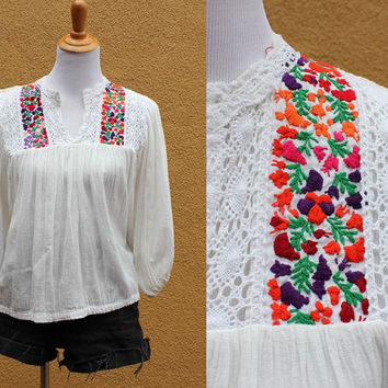 Vtg Floral Lace Sheer Peasant Blouse Embroidery White Semi Sheer Vibrant Flowy Loose v-neck Mexican Small Medium