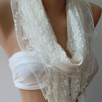 Creamy White/ Lace and Elegance Shawl.