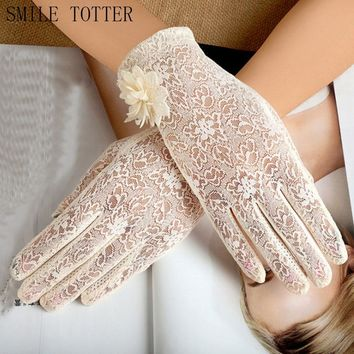 Fashion short paragraph ladies lace flower gloves summer electric car driving gloves touch anti-skidding sunscreen gloves
