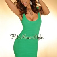 HMS EXCLUSIVE: Kelly Green Scoop Neck LUXE Bandage Dress