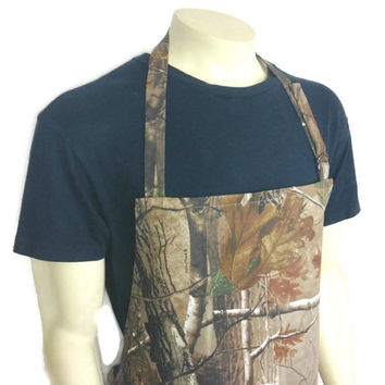 Advantage Realtree Camouflage Apron for Men ,  Adjustable with Pocket